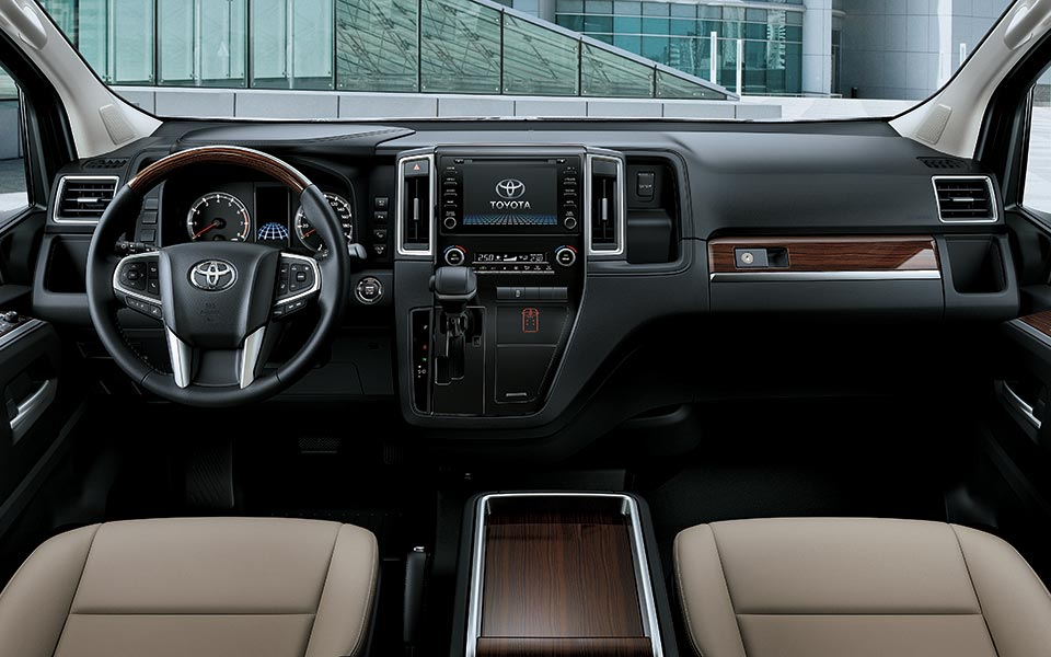 features interior instrument panel - أسعار سيارات تويوتا جرانفيا 2022 في قطر