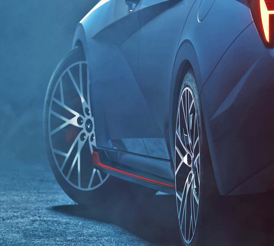 Hyundai Elantra N teaser image 22222 - بالصور |نظرة تفصيلية علي هيونداي إلنترا أن 2022